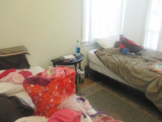Orange Drive Hostel: Our room-sorry for the mess we were packing!!