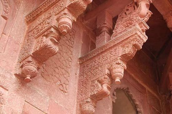 Agra Fort: 細かな彫刻が施された壁面