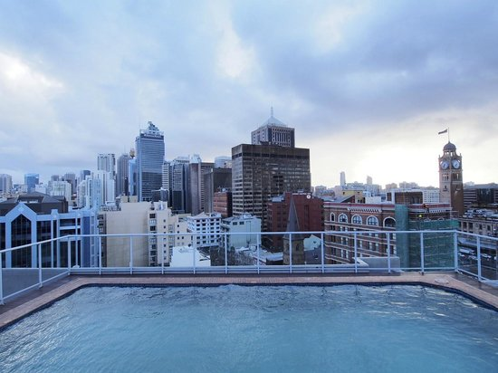 Rendezvous Hotel Sydney Central : Rooftop pool - not heated
