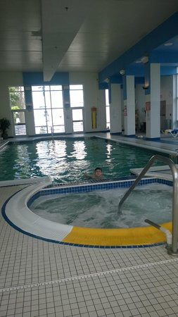 Sheraton Needham Hotel Pool Hot Tub