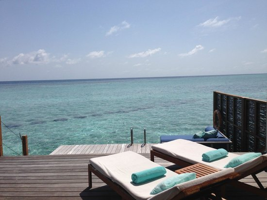 Four Seasons Resort Maldives at Landaa Giraavaru: Ocean view from the Sunrise Water Bungalow