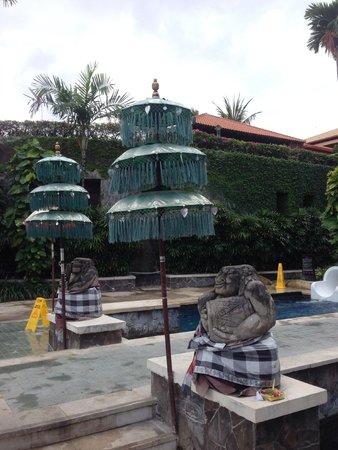Hard Rock Hotel Bali: Bali decore