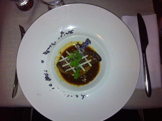 Le Manoir: Foie gras poêlé et poires caramélisées