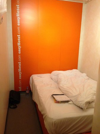 easyHotel London South Kensington : standard room - no window