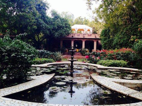 Devi Bhawan: garden