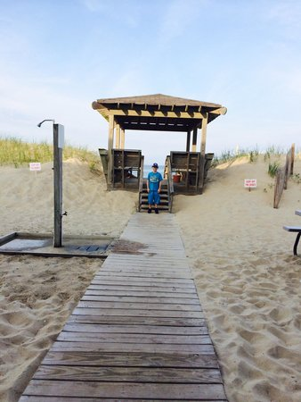 Sea Foam Motel : Beach entrance