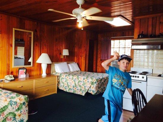Sea Foam Motel : Efficiency room
