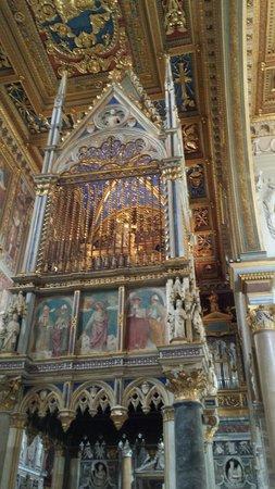Arcibasilica di San Giovanni in Laterano: Interno