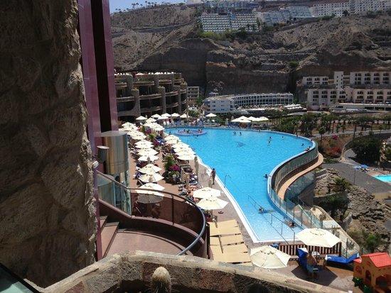 Gloria Palace Royal Hotel & Spa: Basengområde