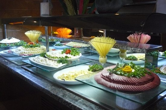 Long Beach Resort Hotel & Spa: Buffet