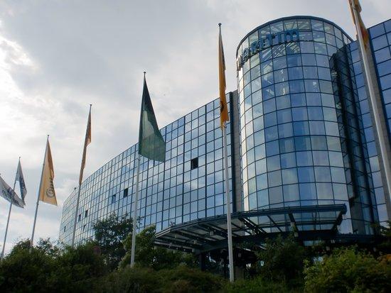 Maritim Airport Hotel Hannover: 外観も美しい