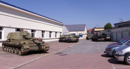 Musée des blindés : Front entrance area