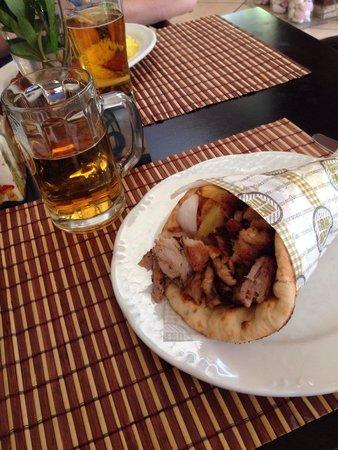 Smile Cafe Restaurant: Pork gyro