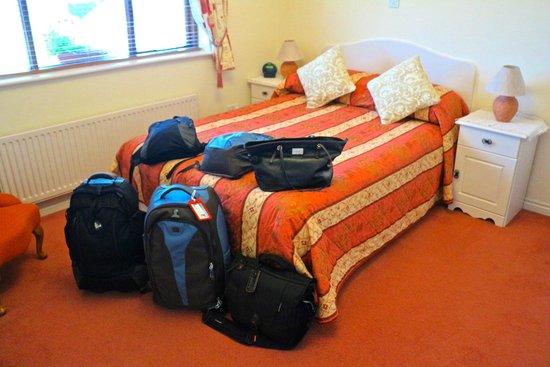 Hazelbrook Bed & Breakfast: OUR ROOM