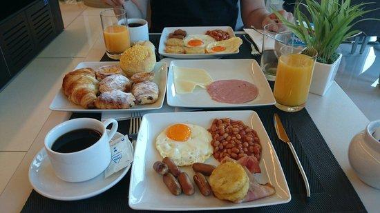 TRYP Lisboa Aeroporto Hotel: Petit déjeuner...Un régal!