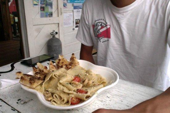 La Buga Dive Center & Surf School: pasta en la buga