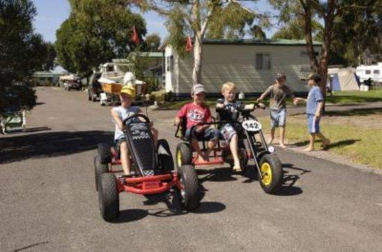 Eden Beachfront Holiday Park: Eden Beachfront - Fun on Go Carts