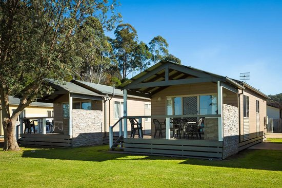 Eden Beachfront Holiday Park : Deluxe Beachfront Cabin - only steps away from the beach