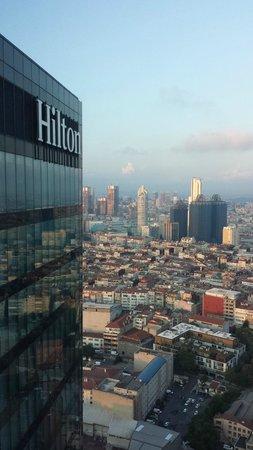 Hilton Istanbul Bomonti Hotel & Conference Center: Scorcio dalla sala al 34° piano