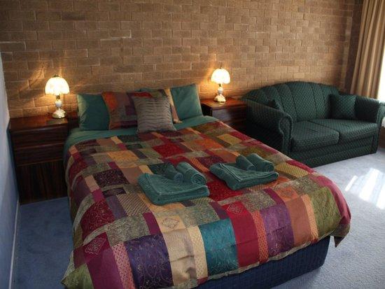 Camellia Motel Narrandera: Executive Suite Queen Bed