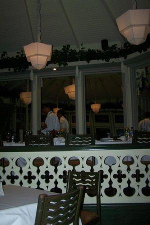 La Rosa Nautica Restaurante: Una vista de restaurant