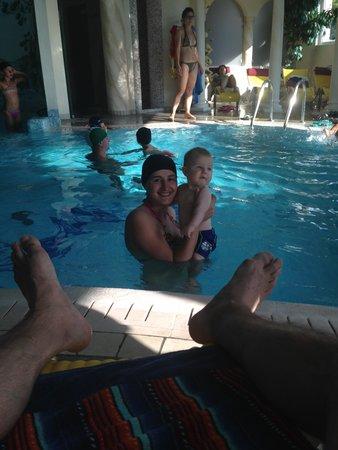 Hotel La Montanina: matteo in piscina