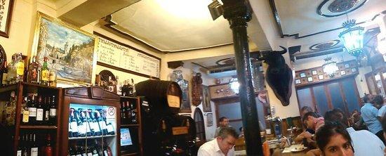 Bodegas Castaneda: vue du bar