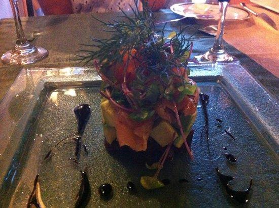 Casa do Pintor - Gourmet & Bistro : smoke salmon, avocado, beet salad