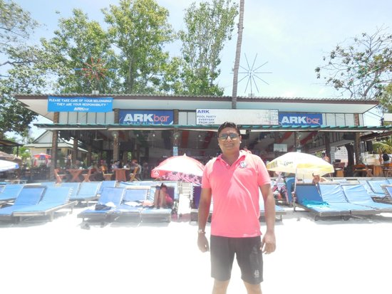 Ark Bar Beach Resort : Pool & Beach Area