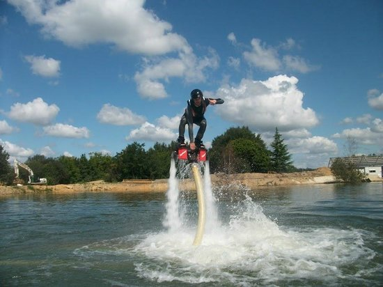 Espace Quilly: Flyboard 1
