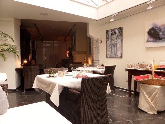 Bed & Breakfast Gallery Yasmine : salle à manger
