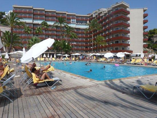 Hotel Riu Palace Bonanza Playa : Vue hôtel de la piscine