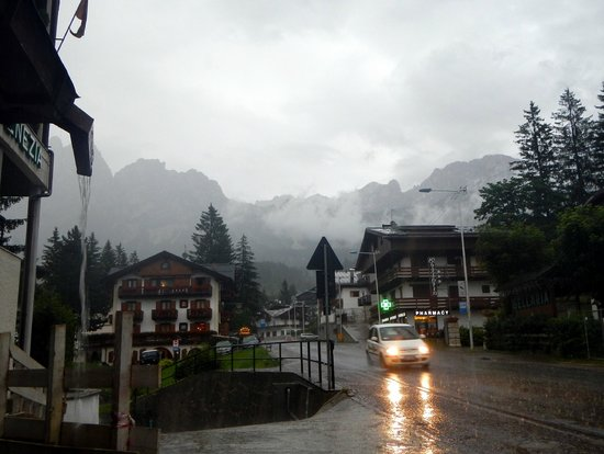 Hotel Natale: A thunder storm near the hotel on arriving day