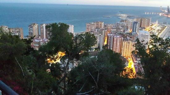Parador de Malaga Gibralfaro : Vue de tombée du jour