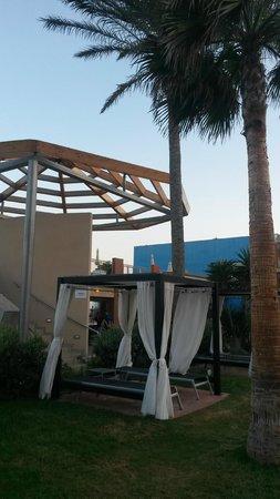 Protur Roquetas Hotel & Spa: Part of the pool bar area