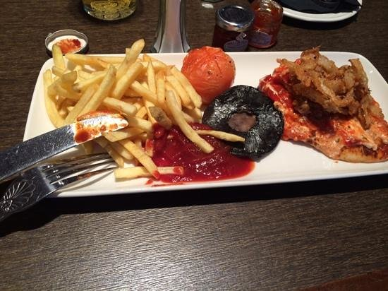 Best Western Plus Manor Hotel: cajun chicken and chips - 5 out of 10