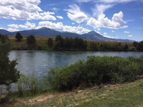 Yellowstone's Edge RV Park : View from our RV spot