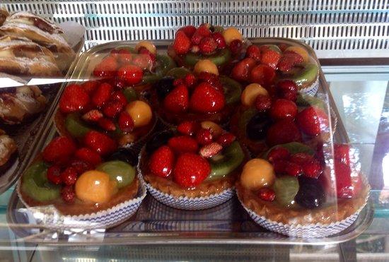 Pasticceria La Dolce Arte : Crostatine con  frutta fresca!