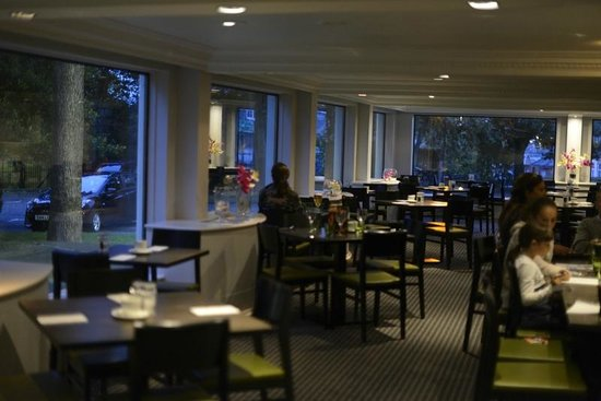 Holiday Inn Edinburgh City - West : Vista parcial del comedor