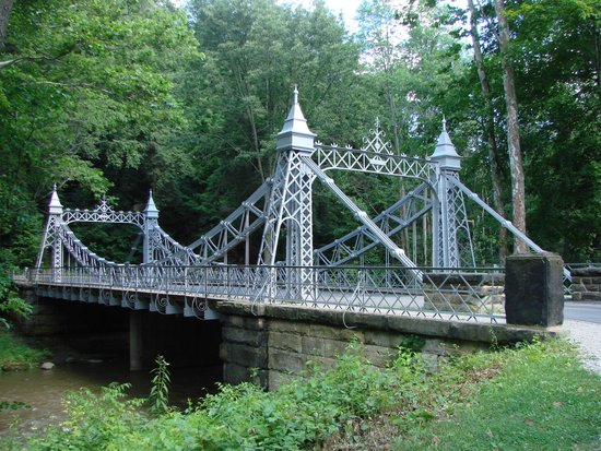 Suspension bridge picture of mill creek park canfield tripadvisor for Parks garden center canfield ohio