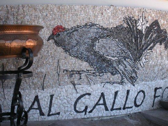 Al Gallo Forcello: Particolare all'ingresso