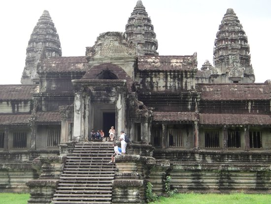 Incredibe architecture picture of angkor wat siem reap for Wat architecture