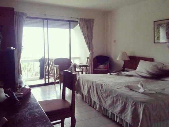On the Hill Karon Resort: nice