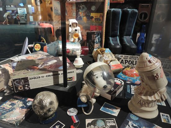Cradle of Aviation Museum: Space-related toys, games, etc.