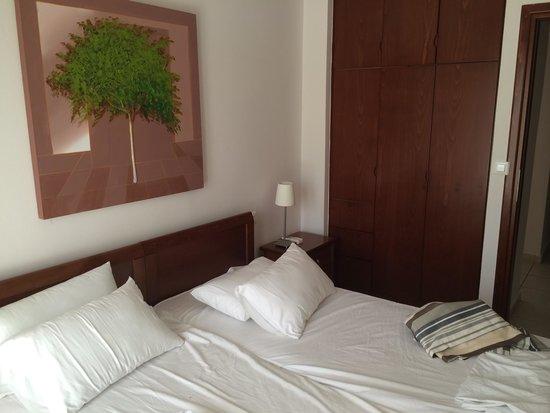 Lofos Village: Bedroom is clean and presentable