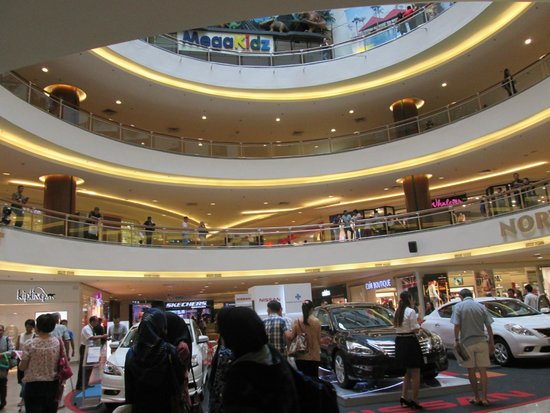 Mid Valley Megamall: Inside the mall