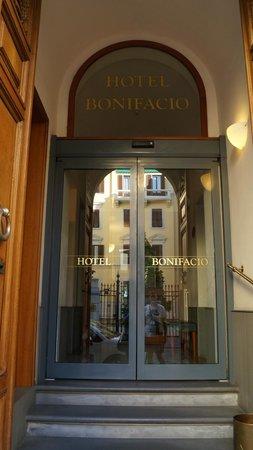 Hotel Bonifacio: entrée