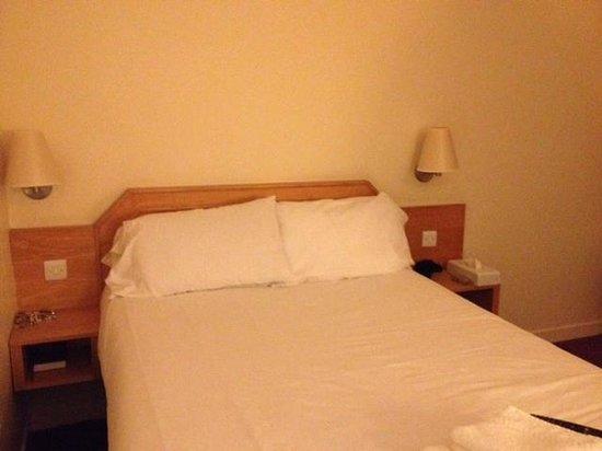 Days Inn Hamilton: VERY comfy bed