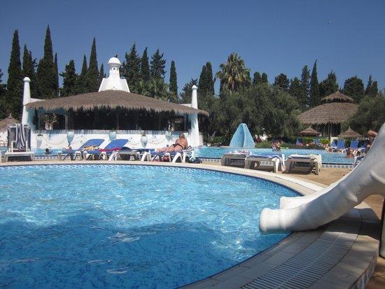 Hammamet Garden Resort & Spa: Piscina e bar