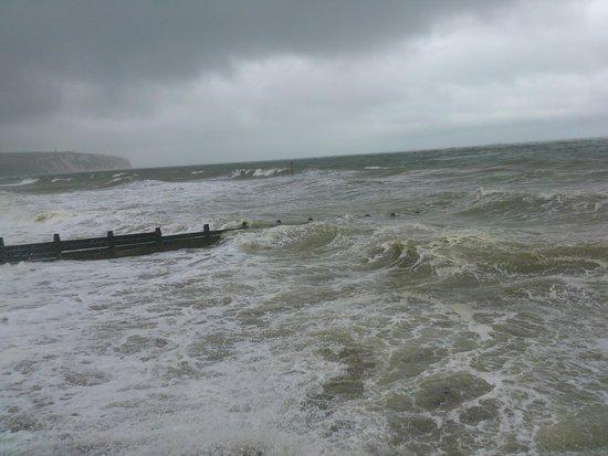 Lower Hyde Holiday Park - Park Resorts: Hurricane Bertha in full swing